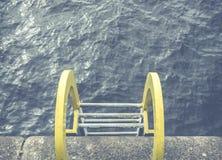 黄色海洋梯子 图库摄影