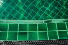 绿色游泳池的马赛克  库存图片