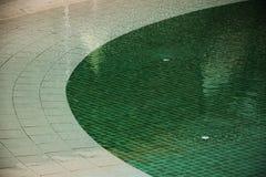 绿色游泳池的马赛克  图库摄影