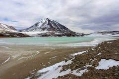 绿色湖撒拉族de Uyuni 免版税库存照片