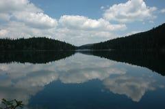 黑色湖 库存图片