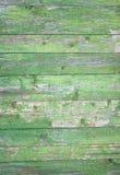 绿色灰色被绘的木板条可以使用作为背景 土气,破旧的小鸡木背景 年迈的木板条样式 Woode 免版税库存图片