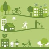 绿色环境和太阳电池板 免版税库存图片