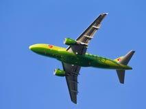 绿色班机空中客车A319-114西伯利亚航空公司 库存图片