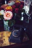 黑色电话转台式葡萄酒 库存照片