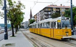黄色电车,布达佩斯,匈牙利 图库摄影