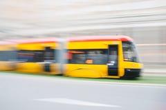 黄色电车 免版税库存图片