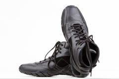 黑色男性鞋子 免版税图库摄影