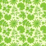 绿色留下无缝的样式。 免版税库存照片