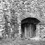 黑色白色 中世纪被加强的教会Cristian,特兰西瓦尼亚的庭院 库存图片