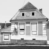 黑色白色 典型的房子在村庄Crit,特兰西瓦尼亚,罗马尼亚 免版税库存图片