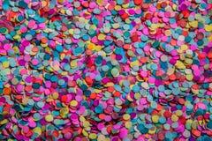 色的五彩纸屑 库存照片