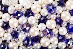 色的光滑的小珠 免版税库存图片