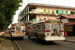 色的公共汽车孩子,冒号巴拿马 免版税库存照片