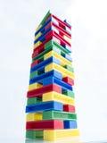 色的块高玩具塔  免版税库存图片