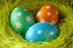 色的复活节彩蛋嵌套 库存图片