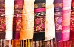 色的多围巾 免版税库存照片