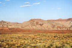 色的山,圣胡安谷,美国Hwy 163 -犹他 免版税图库摄影