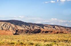 色的山,圣胡安谷,美国Hwy 163 -犹他 免版税库存照片
