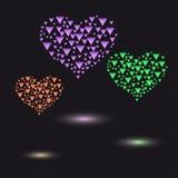 色的心脏由小三角水晶做成 免版税库存图片