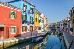色的房子在Burano海岛 免版税库存图片