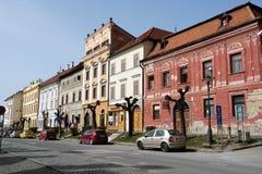 色的房子在Levoca 库存图片