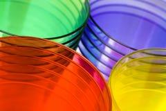 色的杯子多塑料 免版税库存图片
