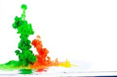色的液体移动 免版税库存照片
