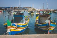 色的渔船,马耳他 图库摄影