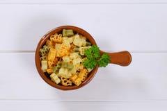 色的煮熟的意大利面食 免版税图库摄影