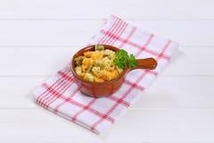 色的煮熟的意大利面食 免版税库存图片