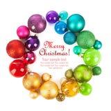 色的球圣诞节花圈  免版税库存照片