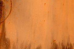 色的生锈的被弄脏的金属墙壁纹理样式 库存照片