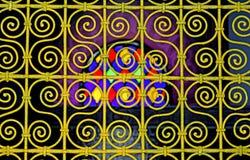 色的窗口在El巴伊亚宫殿在马拉喀什 免版税库存图片