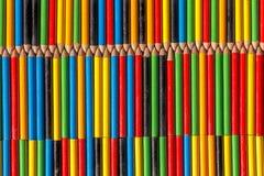 色的背景做铅笔 库存图片