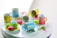 色的茶杯 免版税库存图片