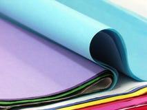 色的被折叠的纸张 库存图片