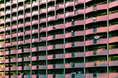 色的被排行的大厦 免版税库存照片
