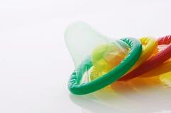 色的避孕套farbige kondome 库存照片