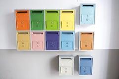 色的邮件配件箱 免版税库存图片