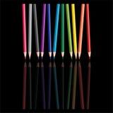 色的铅笔反映 皇族释放例证