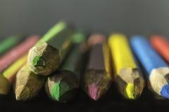 色的铅笔宏观摄影  被弄脏的透视 库存图片