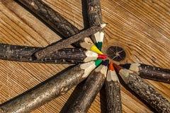 色的铅笔手工制造从分支树2 免版税库存照片