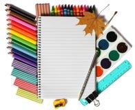 色的铅笔笔记本纸 免版税图库摄影
