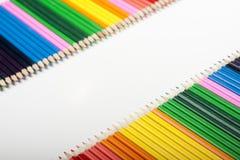 色的铅笔通知 免版税库存照片