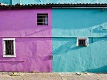 色的门面在Burano 库存照片