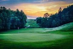 -色的高尔夫球领域 免版税库存照片