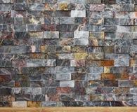 色的,小砖墙背景 免版税库存照片