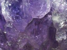 紫色的水晶特写镜头宏指令  免版税库存照片