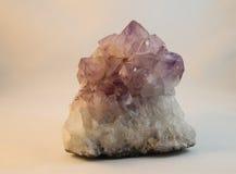 紫色的水晶 免版税图库摄影